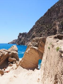 atlantis rotsen Ibiza geheim strandje