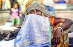 backpacken in india locals