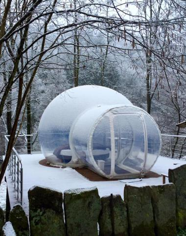 besneeuwde-bubble-tent-frankrijk