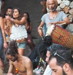 hippie ibiza benirras strand dansers-2