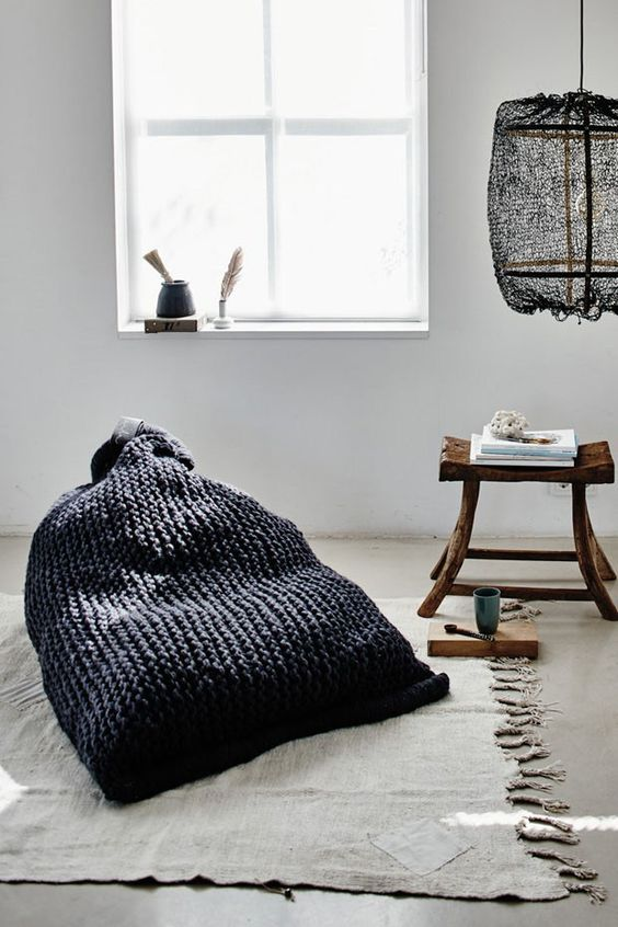 Knitted bean bag