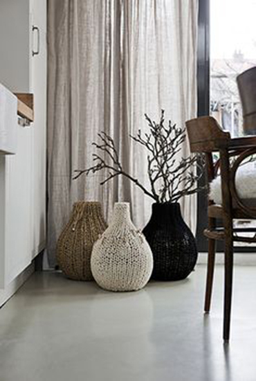 Knitted decorate vases