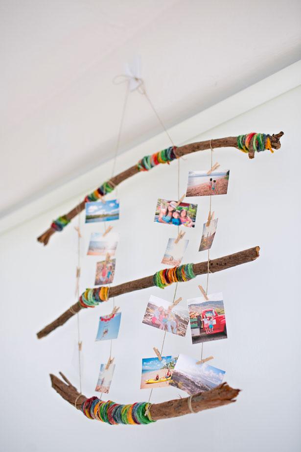 Yarn decorating mobile