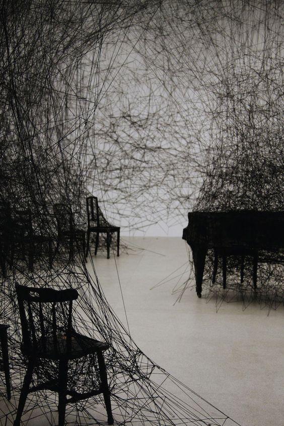 Chiharu Shiota piano installation 02