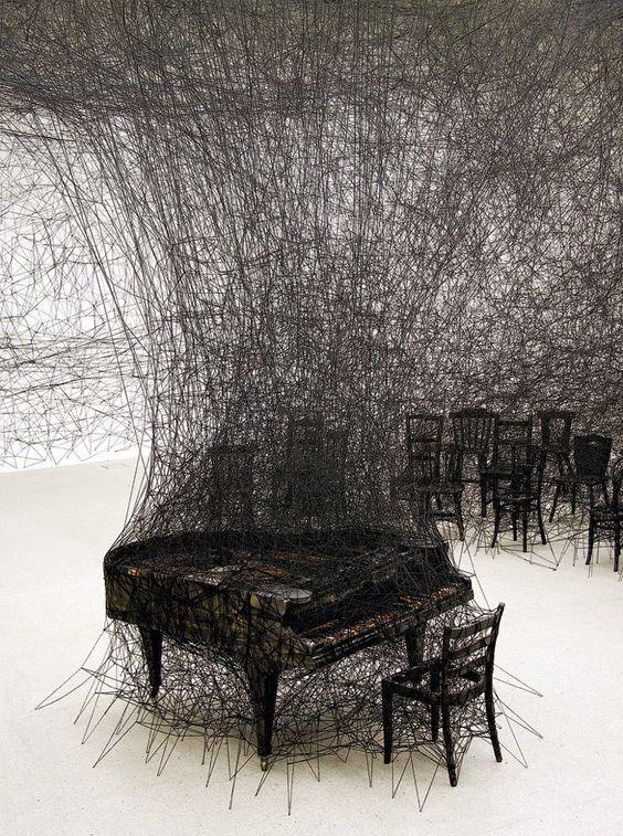 Chiharu Shiota piano installation