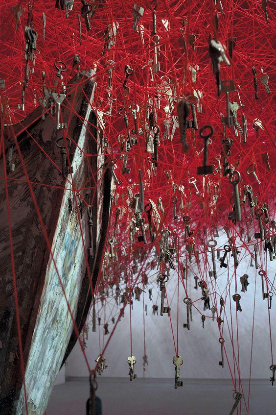 Chiharu Shiota key installation 02