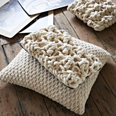 Melanie Porter cushions beige