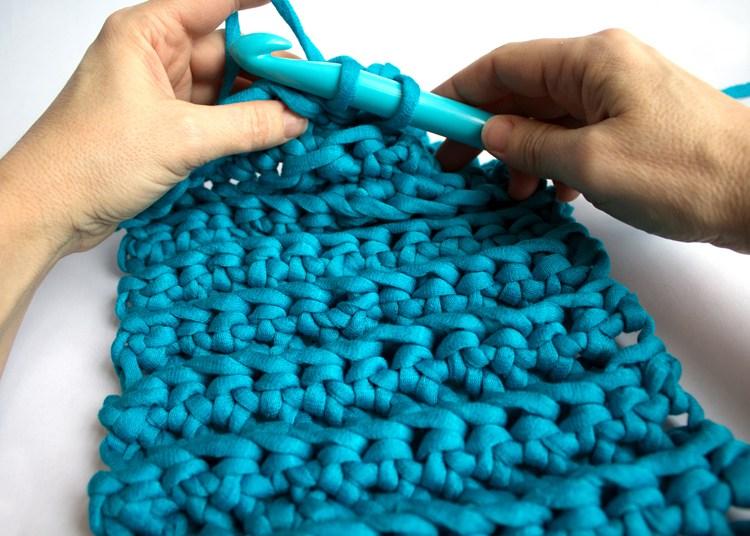 Ialwayspickthethimble chunky crochet cowl detail