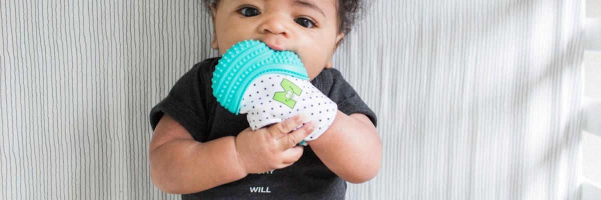 Munch Mitt: the baby teething mitten