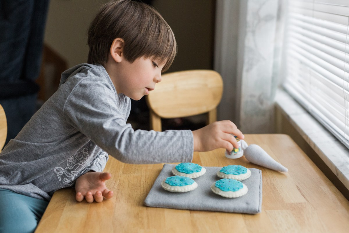 National Cookie Day with Farm Fresh Toys | Play