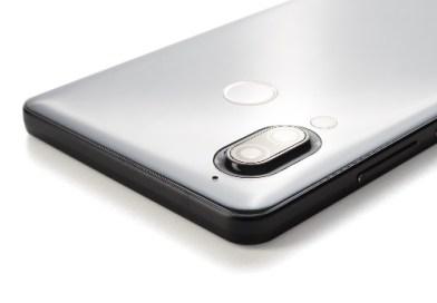 Passa dai televisori Aquos il ritorno Sharp nella sfida smartphone