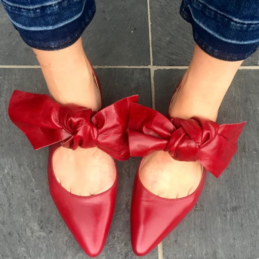 a192a7cf93 Put on your red shoes and dance the blues - Wears My Money