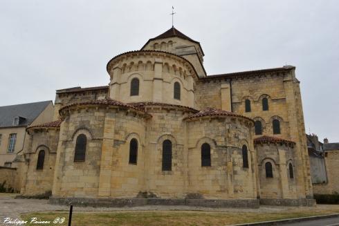Église Saint Étienne de Nevers