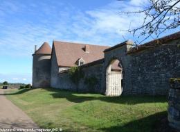 Vieux Château de Moussy