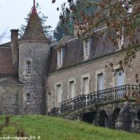 Château de Marcilly la forteresse de Cervon