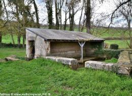 Lavoir de l'étang de Chazeuil