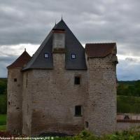 Château de Mouron sur Yonne - Maison forte