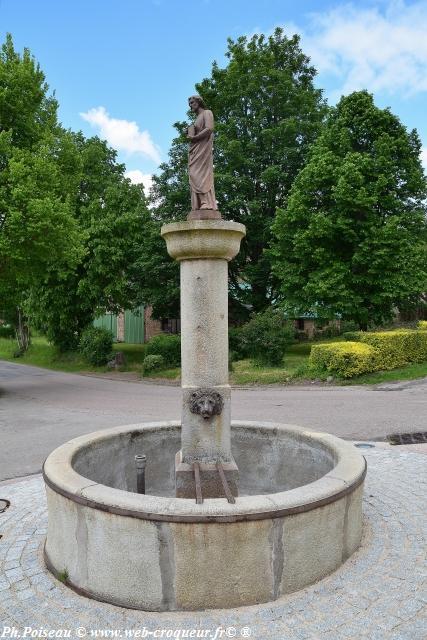 Fontaine Saint-Pierre de Chaumard