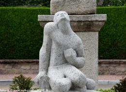 Monument de Dun les Places