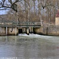 Pont sur la Nièvre à Guerigny - Patrimoine de Guérigny