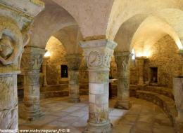Crypte de l'église de Saint Parize le Châtel
