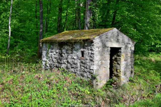 Cabane ancienne de cantonniers