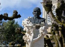 Monument Jules Renard à Chitry les Mines