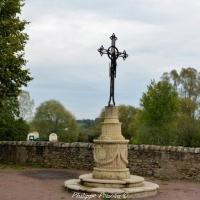 Croix de Saint Pierre Le Moutier - Crucifix de Saint-Pierre