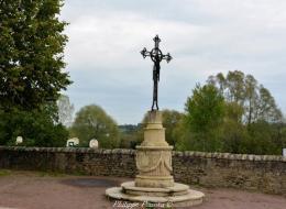 Croix de Saint Pierre Le Moutier