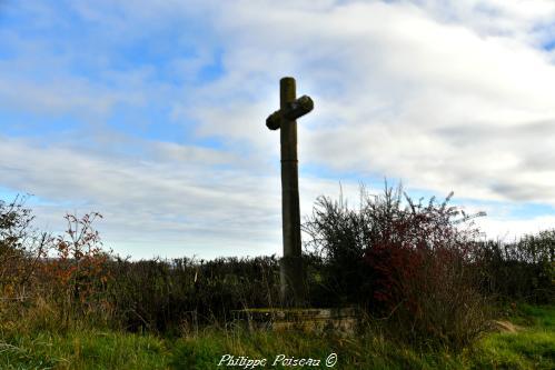 Croix de carrefour de Corvol d'Embernard