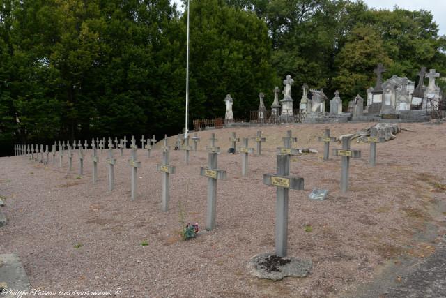 Carré militaire au cimeterre de Corbigny