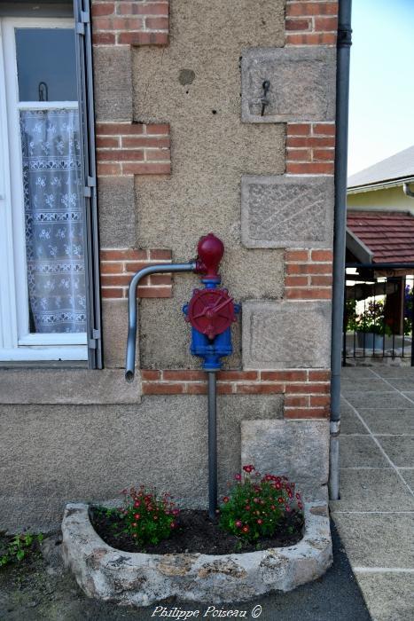 Pompe de la poste de Millay