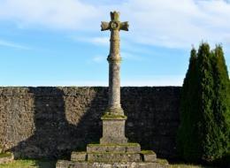 Croix du cimetière de Montberné