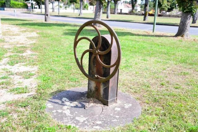 Pompe de la commune des Trois Vèvres