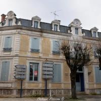 Ancienne poste de la ville de Clamecy - Hôtel des Postes