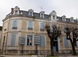 Ancienne poste de la ville de Clamecy