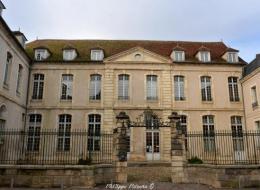 Ancienne école royale militaire de Clamecy