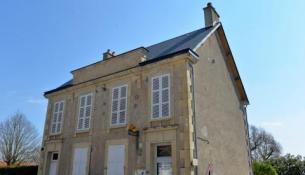 Bureau de poste de Suilly La Tour