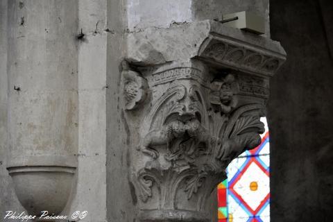 Chapiteaux de l'église de Saint Pierre