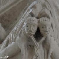 Chapiteaux de l'église de Saint Pierre Le Moutier