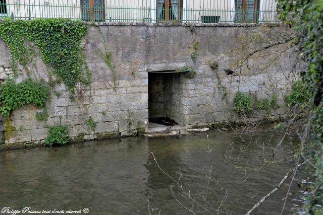Lavoir privé de Clamecy quai de Bethléem