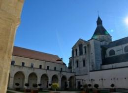 Le cloître de l'ancien prieuré Notre Dame de La Charité-sur-Loire