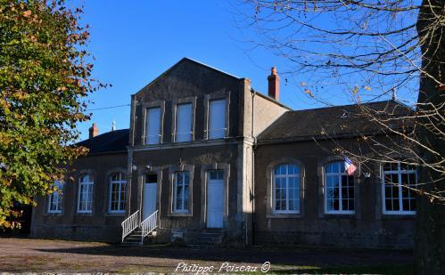 Mairie de Saint Pierre du Mont Nièvre Passion