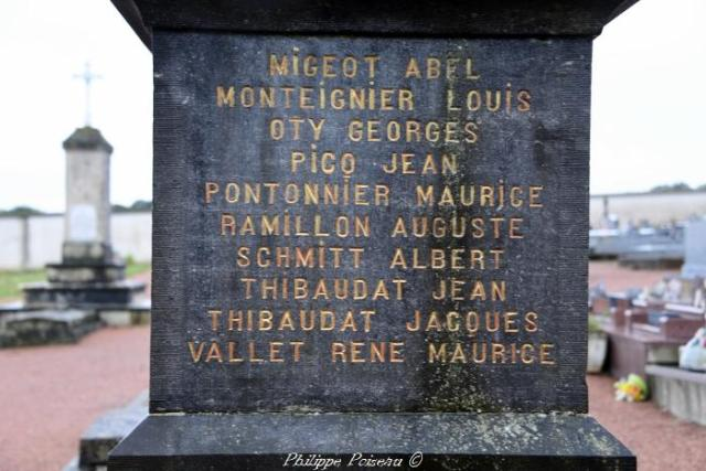 Monument aux morts de La Celle sur Nièvre