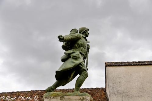 Monument aux morts de Neuvy sur Loire