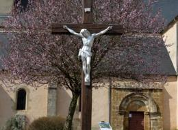 Crucifix du village de Cervon