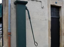 Pompe à bras rue de la garede Prémery