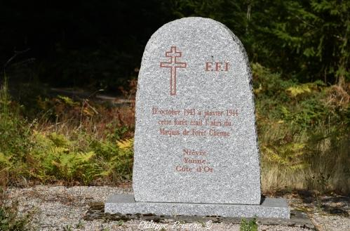 Stèle de la croix Grenot Nièvre Passion