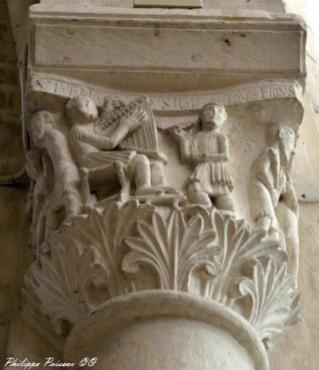 Chapiteaux de l'église de Saint Pierre Le Moutier Nièvre Passion