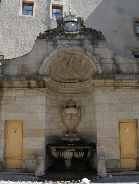 Cluny Fontaine des Serpents